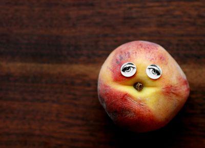 Peach eyes